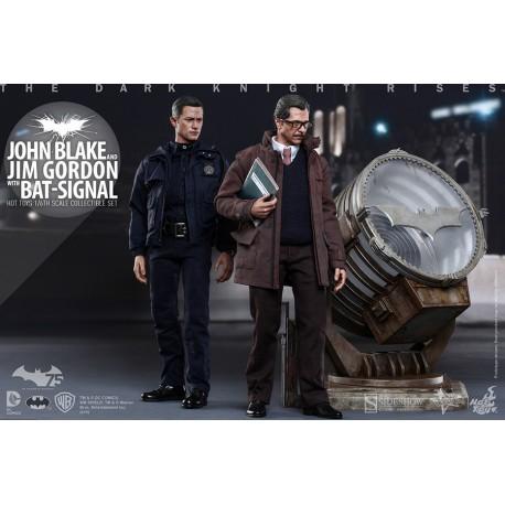 John Blake and Jim Gordon with Bat-Signal
