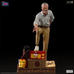 Stan Lee Marvel Estatua 1/10 Deluxe Art Scale