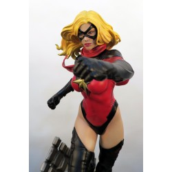 Ms MARVEL STATUE (Comics Version)