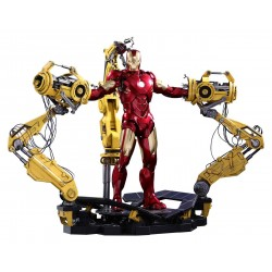 Iron Man Mark IV & Suit-up Gantry Diecast Iron Man 2