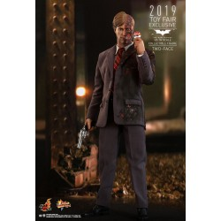Two-Face Sixth Scale Figure by Hot Toys Movie Masterpiece Series - The Dark Knight